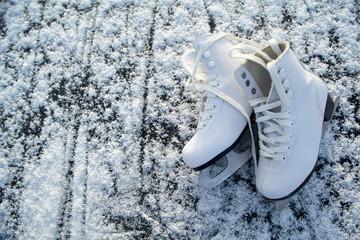 figure skates on ice