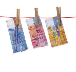 Schweizer Fanken auf Wäscheleine
