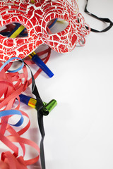 Sfondo Carnevale con stelle filanti colorati e maschera