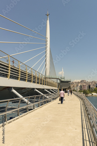 Poster Suspended cable-stayed metro bridge in Istanbul