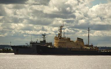 ST. PETERSBURG, RUSSIA: Warships on the pier in Kronstadt
