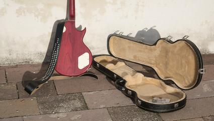 money in guitar case