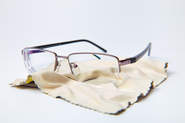 glasses and cloth for cleaning