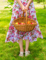 keep a basket of apples