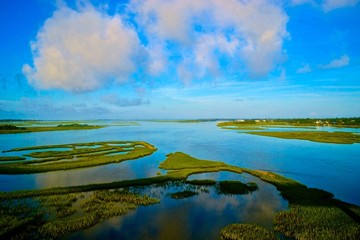 Пейзаж на океан и зеленые островки