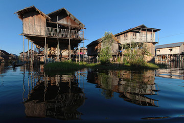 A travers les villages du Lac Inle