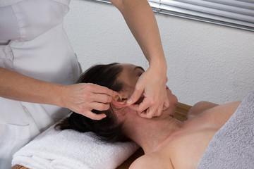 Massage auriculothérapie