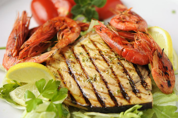 King prawns with swordfish grilled