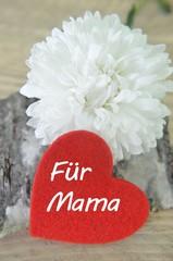 Blume mit Herz für Mama zum Muttertag