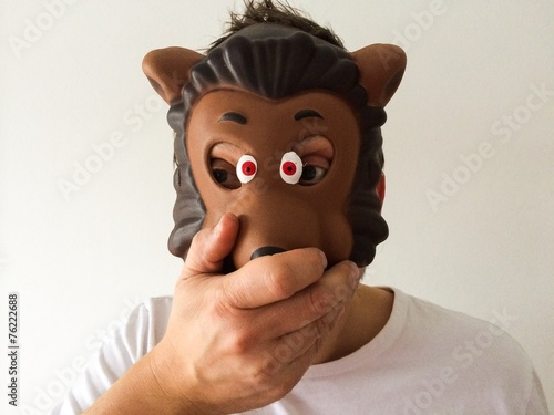 canvas print picture Man with mask covered mouth