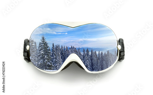 Fotobehang Wintersporten Ski glasses isolated on white
