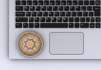 ノートパソコンと羅針盤
