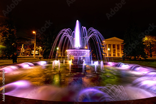 Fountain near the dramatic theater - 76249004