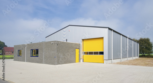 industrial warehouse - 76250285