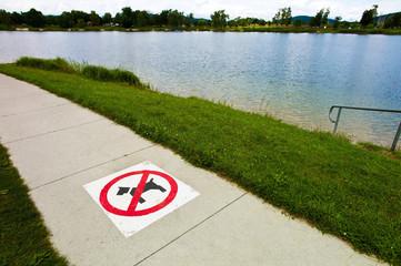 Gehweg, Hunde Verboten