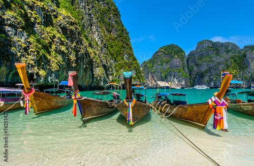 Leinwanddruck Bild Long-tail boats in Maya Bay, Thailand