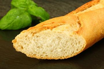 Baguette und Basilikum