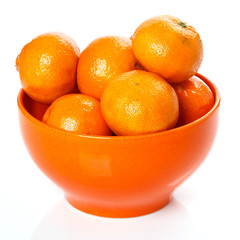 Fresh mandarins in bowl
