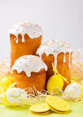 Easter cakes and colored eggs