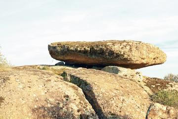 Piedra caballera en la Morisca, Montehermoso, Cáceres, España
