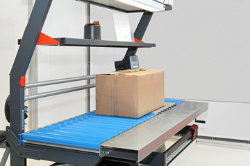 Packing shipping table