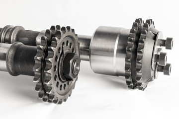 The camshaft with the gear of the internal comustion engine of t
