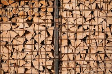 Holzstapel sortiert