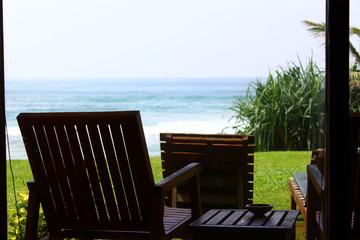 Стул на веранде смотрящие на индийский океан
