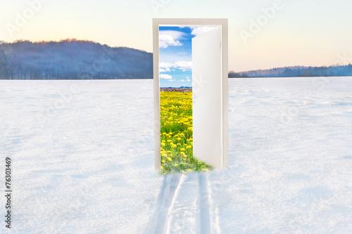 Fototapeta Open door to spring - Der Frühling kommt