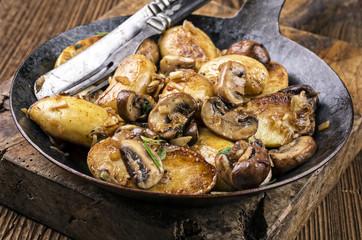 Roast Potatoes with Mushrooms