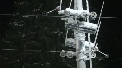 Ski lift pulley and cable