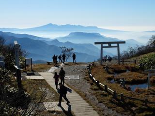 谷川岳 山 日本 鳥居