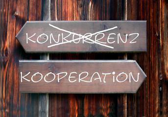 Strassenschild 28 - Kooperation