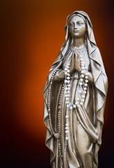 Heilige Maria mit Rosenkranz