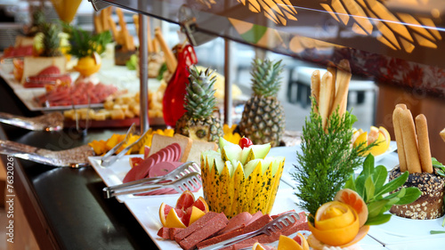 Breakfast At The Hotel - Breakfast Buffet - 76320261
