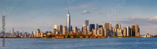 Panoramic view of Downtown Manhattan and New York skyscrapers