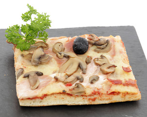 Pizza jambon fromage champignos