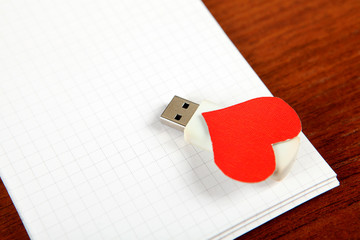 USB Flash Drives on the Note Pad