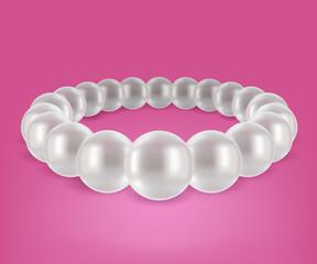 Round pearls bracelet.