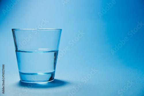 bicchiere d'acqua, vuoto, vetro - 76327666