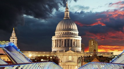 Saint Paul's Cathedral in London, Time lapse