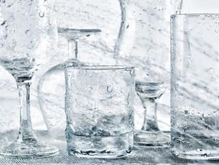 Glassware washing under water jets