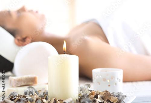 Aromaterapia, relaks w gabinecie odnowy biologicznej - 76332037