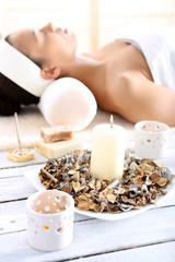 Aromaterapia, kadzidło, świece - relaks w spa
