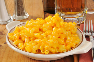 Macaroni and cheese with beer