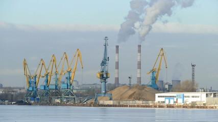 Экология в промышленном районе