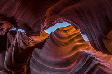 Lower antelope canyon lokking up