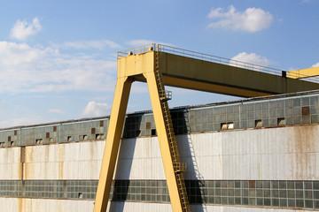 Heavy harbor crane
