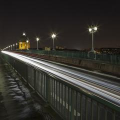 Light painting sur le pont Saint Pierre de Toulouse