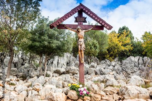 Leinwanddruck Bild Cross on Apparition hill